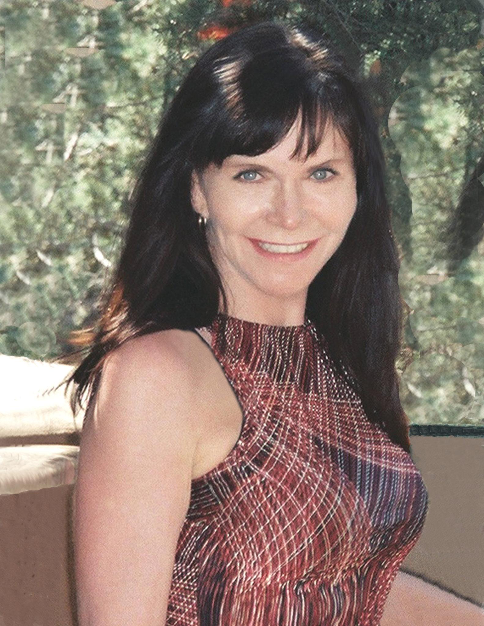 Linda Deir: 2550x3300-px-300-dpi-right